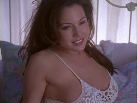 Hottest actress of the 90s HANDS DOWN - Bodybuilding.com