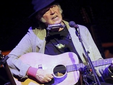 Neil Young estrena disco de covers 'A Letter Home' published in Noticias