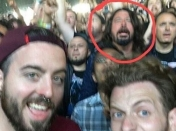 Dave Grohl va a concierto de Metallica como un simple mortal