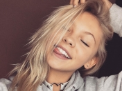 La bella Jordyn Jones lanza cover de 'Let it Snow'