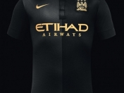 +1 Camisetas: Manchester City 2013-2014 (Black Moon)