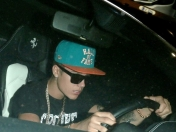 Urgente! Justin Bieber atropelló a un paparazzi. Video aca!
