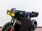 Midnight Runner: una cafe racer electrica