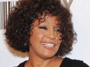 Reporte final de muerte de Whitney Houston devasta a familia