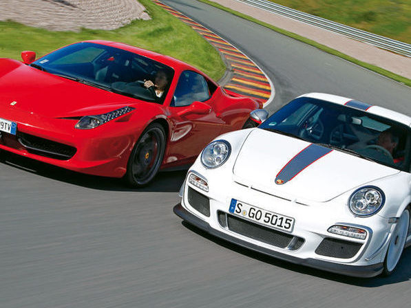 ferrari 458 italia vs porsche 911 gt3 rs 4 0 autos y motos taringa. Black Bedroom Furniture Sets. Home Design Ideas