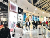 "Los argentinos ""atacan"" los shoppings de Chile"
