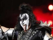 Gene Simmons odia cantar 'I was made for lovin' you'