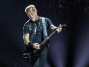 James Hetfield (vocalista de Metallica) durante un concierto